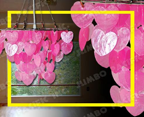 Hängender rosafarbener Capiz Leuchter